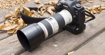 Digital SLR with zoom lens